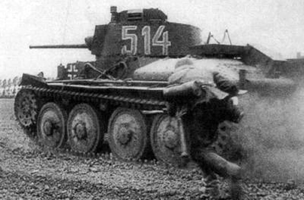Best Ww2 Commanders Tank Part 1 Armchair General And